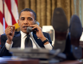 Tổng thống Obama chúc mừng và mời ông Trump thăm Nhà Trắng