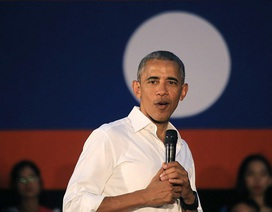 """Tổng thống Obama """"quên"""" đeo nhẫn cưới khi công du Lào"""