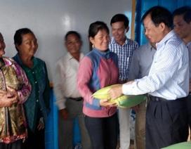 Xây tặng trường học trên Biển Hồ cho con em Việt kiều tại Campuchia