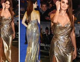 Penelope Cruz nổi bật với váy xẻ cao
