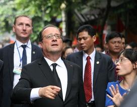 Biểu cảm thú vị của Tổng thống Pháp khi khám phá phố cổ Hà Nội