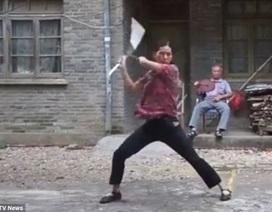 Tròn mắt xem người phụ nữ múa côn nhị khúc như Lý Tiểu Long