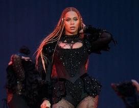 """Beyoncé khoe vẻ đẹp """"vạn người mê"""" trên sân khấu"""