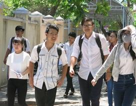 Chấm thi THPT quốc gia: Đã có điểm 9, 10 ở môn tự luận