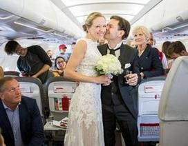 """""""Cưới vợ liền tay"""" trên máy bay"""