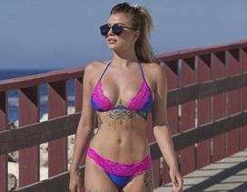 Người đẹp 9x khoe dáng nuột nà với bikini ren