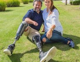 Cảm động tình yêu của chàng cựu cảnh sát mất chân tay