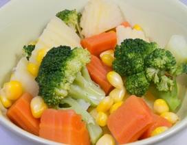 Vì sao nên ăn rau củ luộc?