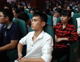 Hiệu trưởng ĐH Y Hà Nội khuyên tân sinh viên: Học tốt, mơ nhiều, yêu say đắm!