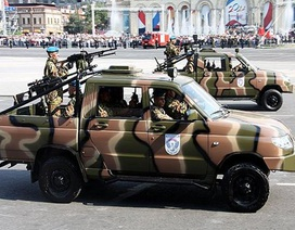 """""""Học"""" phiến quân, Nga tung xe bán tải sang tham chiến ở Syria"""