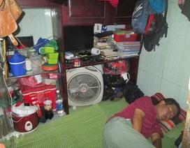 Cuộc sống ở ngôi nhà tí hon: Phố cổ Hà Nội có căn nhà... nhiều đinh