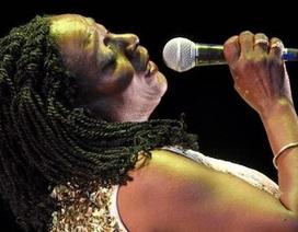 Giọng ca Sharon Jones vĩnh viễn ra đi ở tuổi 60
