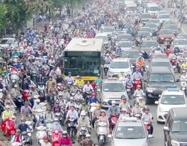 Khai giảng trùng ngày đầu đi làm sau nghỉ lễ, đường phố ùn tắc nghiêm trọng