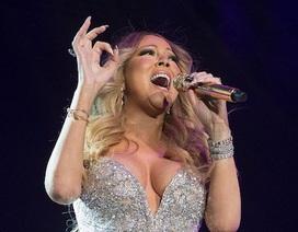 """Mariah Carey diện đồ hở bạo, """"đốt cháy"""" sân khấu"""