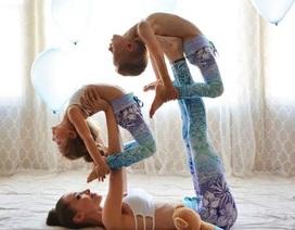 Mãn nhãn với chùm ảnh tập yoga của ba mẹ con