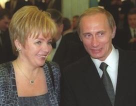 Vợ cũ của Tổng thống Nga Putin gây xôn xao vì việc đổi họ