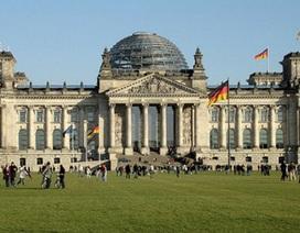"""Đức ra luật bảo vệ đàn ông: Tránh nuôi """"con người ta"""""""