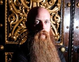Gặp người có bộ râu dài nhất nước Anh