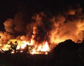 Hải Phòng: Huy động tổng lực khống chế đám cháy cực lớn ở công ty nến