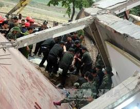 Nhà 5 tầng bất ngờ đổ sập trong đêm, 3 người tử vong