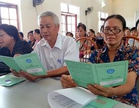 Kỳ 3 - Niềm vui của 58 người lao động được nhận sổ BHXH mới