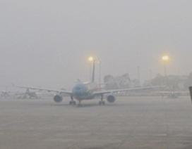 Hủy hàng loạt chuyến bay đi/đến Nội Bài do thời tiết xấu