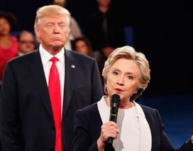 """""""Cuộc chiến"""" ngôn ngữ cơ thể giữa Trump và Clinton trong cuộc tranh luận thứ 2"""