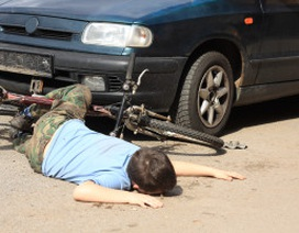 Giúp người bị tai nạn trên đường như thế nào?