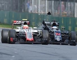 Hamilton bị đánh bại ngay từ vòng đua đầu tiên