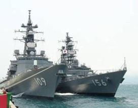 Tàu chiến Nhật Bản cập cảng Cam Ranh: Cảm giác mạnh...
