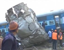 Lật tàu hỏa kinh hoàng ở Ấn Độ, gần 100 người chết