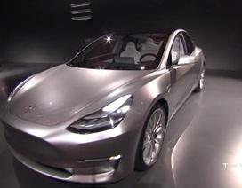 """Tesla Model 3 trình làng, giá """"mềm"""""""