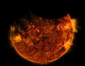 Thiên thực kép! Trái đất và Mặt trăng cùng đi qua phía trước Mặt trời