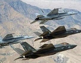 """Hải quân đánh bộ Mỹ bắt đầu dùng F/A-18 """"nghĩa địa"""""""