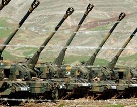Thổ Nhĩ Kỳ dùng pháo binh, máy bay không người lái đáp trả tên lửa IS