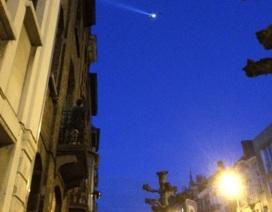 Phát hiện cờ IS và bom gài đinh trong một căn hộ ở Brussels