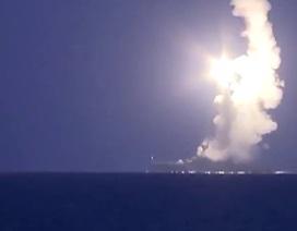 Xem tàu chiến Nga phóng tên lửa diệt mục tiêu cách xa 180km