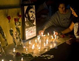 Người dân Cuba nghẹn ngào tưởng nhớ lãnh tụ Fidel Castro