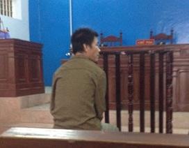 Tòa hoãn xử vì bị hại thấy mặt bị cáo là ngất xỉu