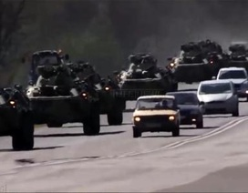 Vũ khí Nga sát biên giới Ukraine dù ông Putin mềm mỏng
