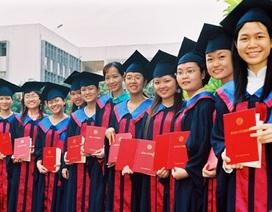 Đào tạo đại học bằng tiếng Anh: Các trường phải đối mặt với nhiều thách thức