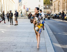 Trâm Nguyễn ăn mặc ấn tượng ngày cuối tuần lễ thời trang