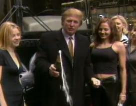Ông Trump bị công kích vì đóng phim người lớn