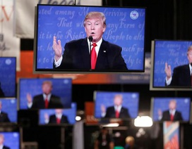 """Cuộc """"khẩu chiến"""" giữa 2 ứng viên tổng thống Mỹ thu hút hơn 71 triệu người xem"""