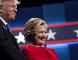 """Tranh luận Trump-Clinton: Đôi bên ngả dần """"từng quân bài"""" chiến lược"""