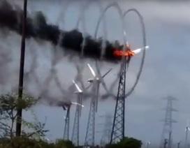Cháy tuabin gió Ấn Độ tạo khói xoắn ốc