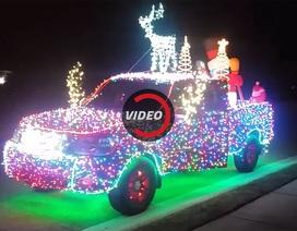 Gắn 14.000 bóng LED trang trí Giáng sinh cho xe