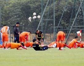 Nhiều cầu thủ đau nhẹ, đội tuyển Việt Nam tập thả lỏng
