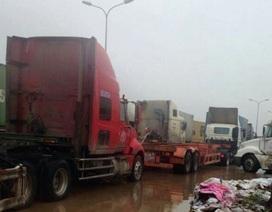 Hải Phòng: Gần 1 ngày đêm kẹt container kéo dài hàng chục km