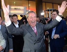 Cử tri Anh ăn mừng sớm chiến thắng Brexit